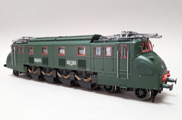JOUEF HORNBY 2066 2D2 5542 SNCF